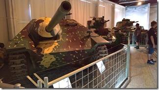 """ПТСАУ Hetzer и его """"база"""" на заднем плане - в военно-техническом танковом музее в Лешанах (Прага, Чехия)"""